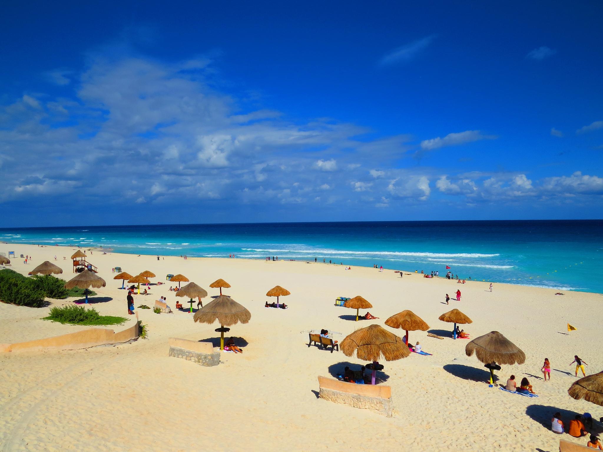 Zona turística de Playa Delfines 2